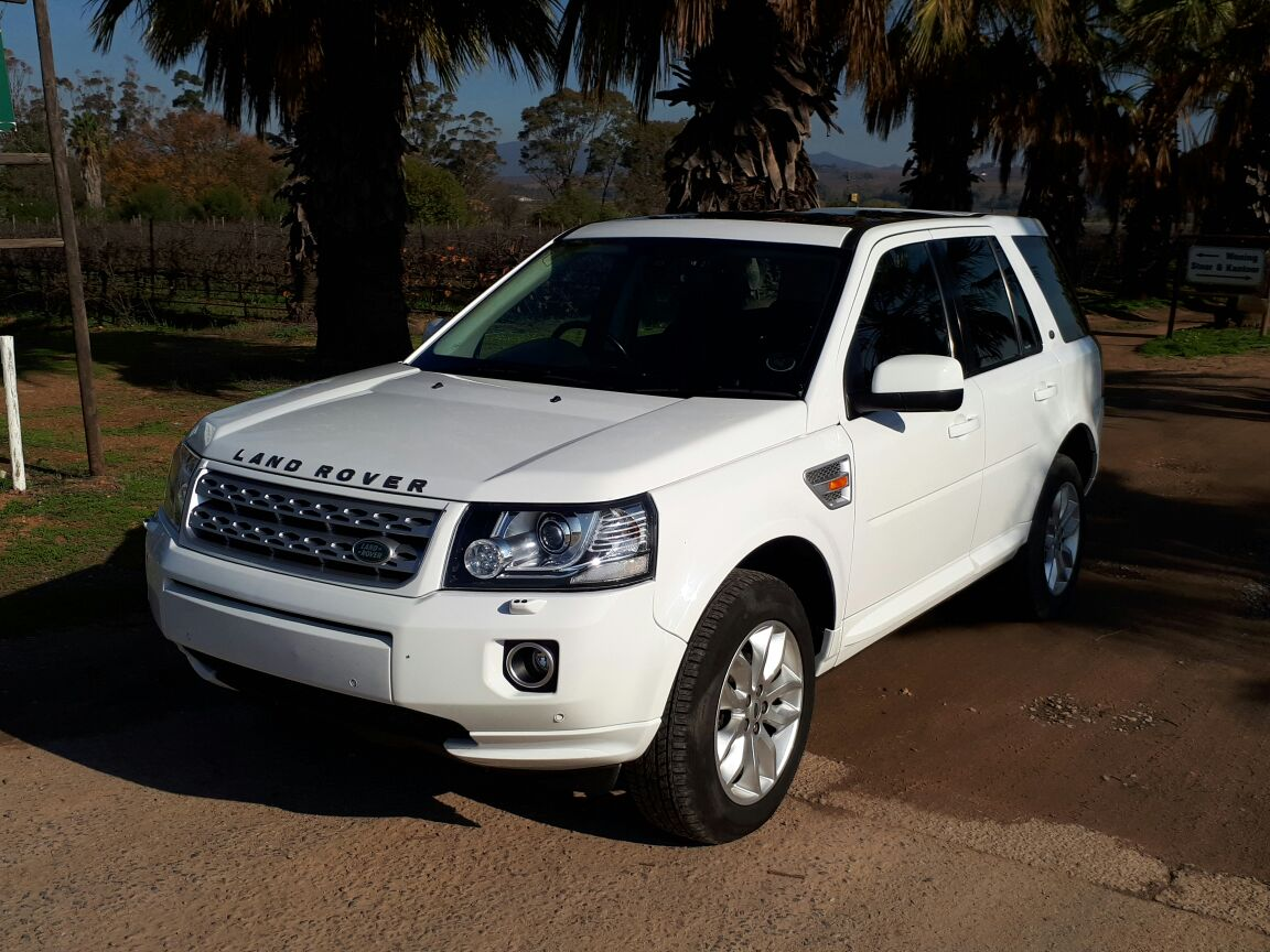 2013 land rover freelander 2 se sd4 white gateway offroad centre. Black Bedroom Furniture Sets. Home Design Ideas